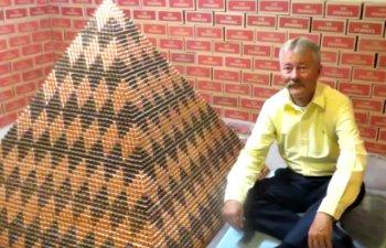 Un american a construit o piramida din peste 1 milion de monede de un cent / VIDEO