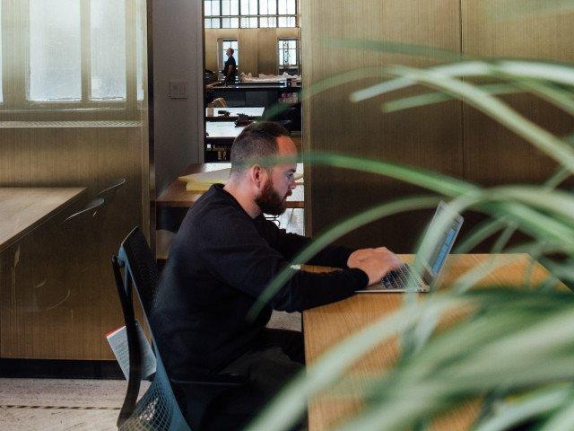 Numarul mare de ore de munca, asociat cu o crestere a riscului de accident vascular cerebral