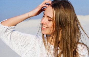 Evita placa de par si apa fierbinte. 8 motive pentru care ti se ingrasa parul prea repede