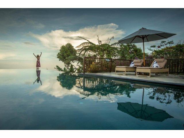 10+ piscine spectaculoase din intreaga lume