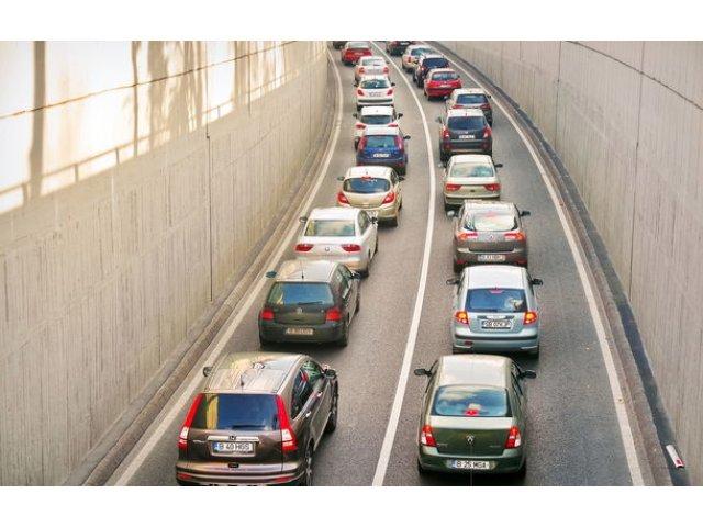 Amenzile pentru parcarea neregulamentara in Bucuresti ar putea fi aprobate pe 26 iunie: 500 de lei daca masina este ridicata si sta o zi in depozit