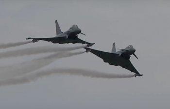 Doua avioane de vanatoare s-au prabusit dupa ce au intrat in coliziune, in zbor, in nordul Germaniei