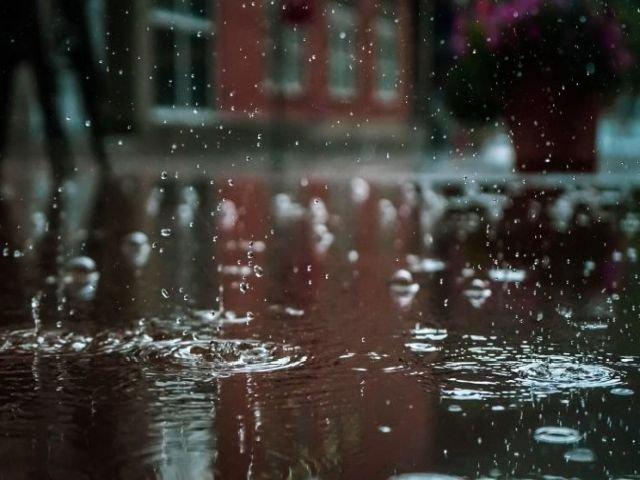 Cod PORTOCALIU si GALBEN de ploi, vijelii si grindina