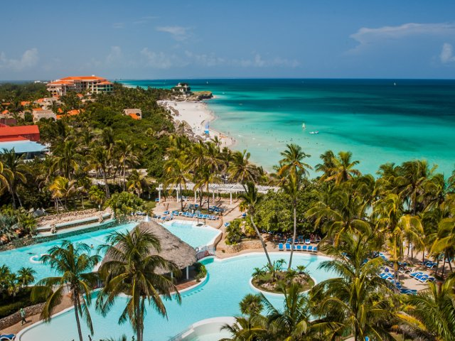 10+ destinatii exotice ieftine: unde sa te bucuri de lux cu buget limitat