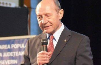 Basescu, despre Ciolos: E casatorit cu o frantuzoaica, nu are cum sa nu fie apropiat de Franta. Sta cu o bucatica de Franta in casa