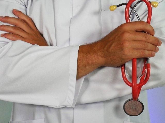 Studiu: Cancerul de vezica urinara, atacat si distrus cu un virus responsabil de raceala