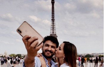 In Franta, imbratisarea este considerata mai intima decat sarutul. 10+ reguli de eticheta ciudate din lume
