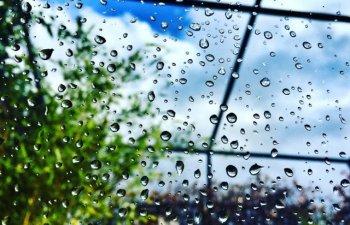 Instabilitatea atmosferica se va accentua incepand de sambata dupa-amiaza. Averse torentiale, grindina si vijelii, in majoritatea regiunilor