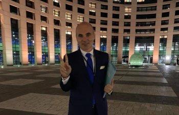 Rares Bogdan: Pe cine protejeaza Ministerul Agriculturii din Romania in scandalul iaurtului grecesc?Pare ca ii saboteaza pe producatorii romani