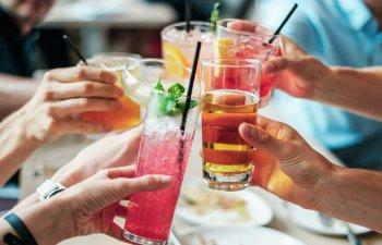 10 retete de cocktail cu 3 ingrediente, perfecte pentru vara / VIDEO