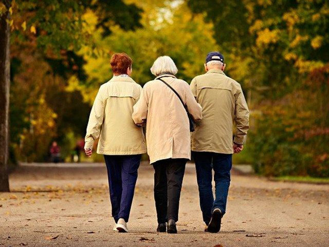 Cum le poti face viata mai frumoasa si mai usoara parintilor pensionari