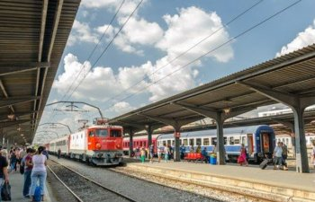 Studentii cer Guvernului oprirea demersurilor care le limiteaza drepturile privind bursele si transportul gratuit cu trenul