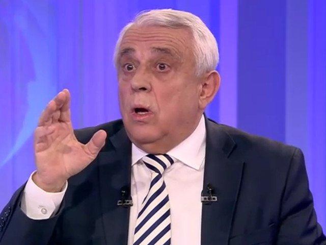 Daea a incuiat intr-un seif de peste o tona documentele Presedintiei Romaniei la Consiliul UE: Am o lacrima de respect pentru tara