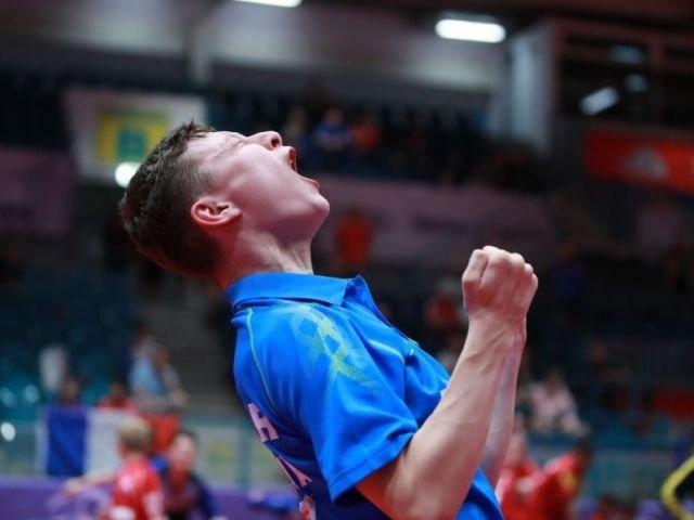 Darius Emanuel Movileanu, campion european la tenis de masa la varsta de 14 ani
