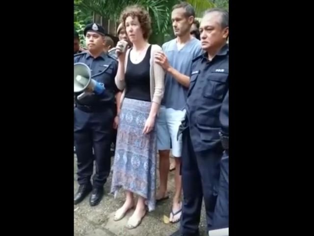 Cazul adolescentei disparuta in Malaezia: Parintii fetei indica posibilitatea unei rapiri
