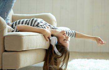 Cum te relaxezi eficient acasa dupa o zi stresanta de munca