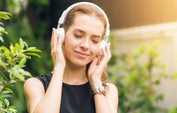 Anularea zgomotului ambiental - Casti cu noise cancelling activ sau pasiv?