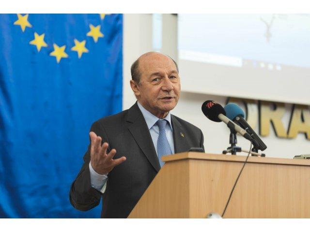 Basescu: Categoric, Dinca nu a fost singur. Dar pana la capatul anchetei mai este mult