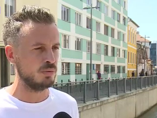 Un barbat din Cluj sustine ca a fost batut de politisti pentru ca a criticat modul de actiune in cazul Caracal