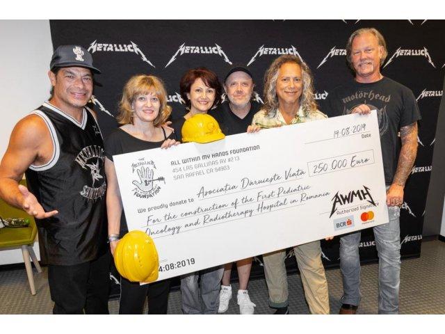 """Trupa Metallica a donat 250.000 de euro pentru spitalul oncologic pentru copii, construit de """"Daruieste viata"""""""