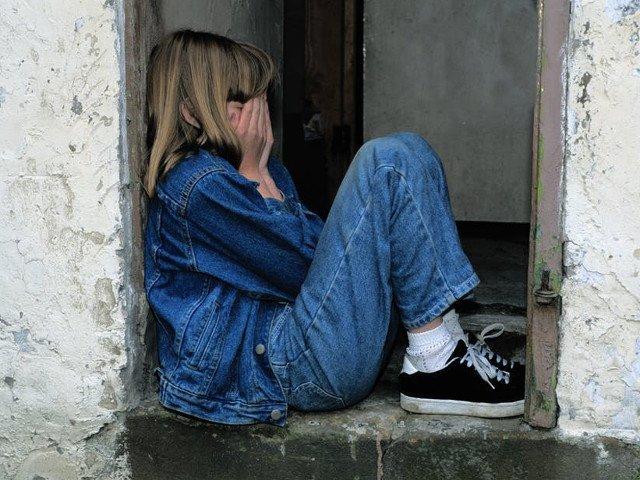 Barbat arestat preventiv, dupa ce a agresat sexual doua fetite in scara unui bloc