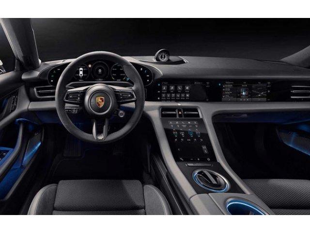 """Porsche a analizat optiunea unui browser de internet pe noul Taycan: """"Credem ca navigarea de pe smartphone este mai sigura"""""""