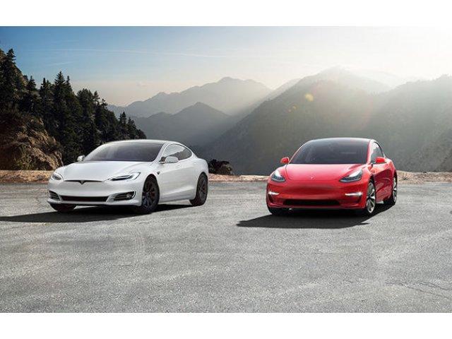 """Tesla introduce polite de asigurare pentru masini: """"Preturile noastre sunt cu pana la 30% mai mici decat ale companiilor traditionale"""""""