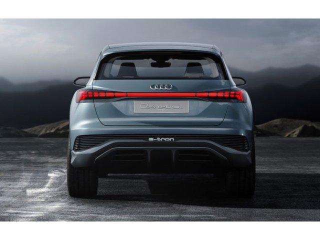 Masinile Audi vor informa participantii la trafic de producerea unor incidente: simboluri sugestive vor fi afisate pe stopuri