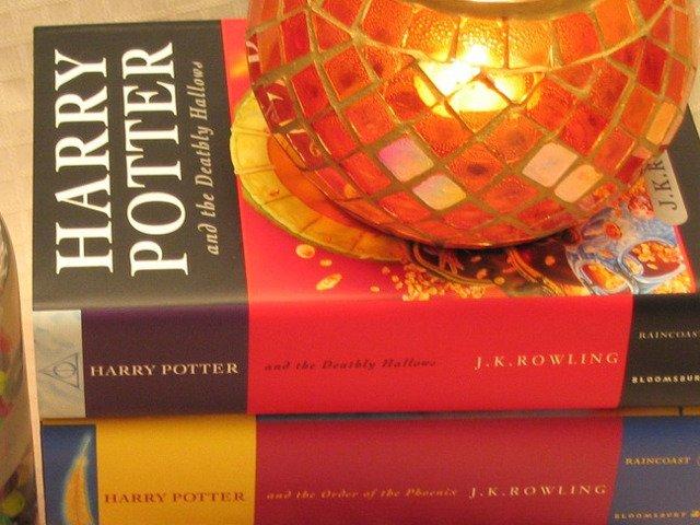 """J.K. Rowling a suscitat speculatii din partea fanilor universului """"Harry Potter"""" dupa un mesaj criptic"""