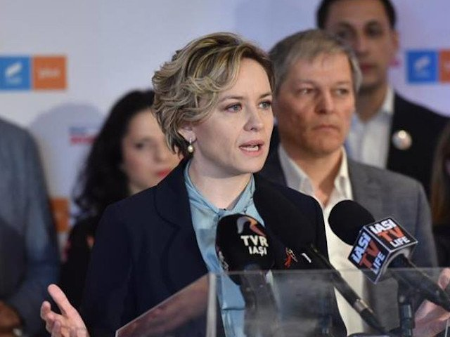 Cosette Chichirau acuza fraudarea alegerilor interne ale USR, in favoarea lui Dan Barna