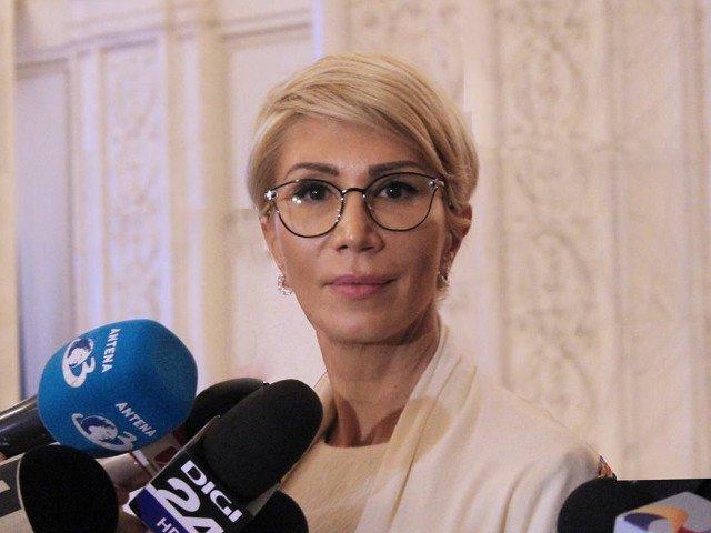 """Raluca Turcan, dupa intalnirea cu Pro Romania: """"Exista un angajament ferm pe semnarea motiunii de cenzura"""""""