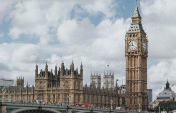 Parlamentul Marii Britanii va fi suspendat pentru cinci saptamani