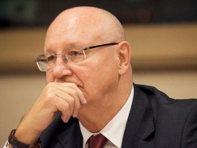 Ioan Mircea Pascu a anuntat ca a fost informat despre retragerea candidaturii sale pentru comisar european interimar