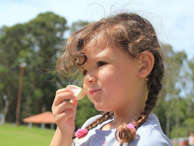 Nutritionist, despre pachetul pentru scoala: Nu exista alimente sanatoase si nesanatoase, totul tine de cantitate