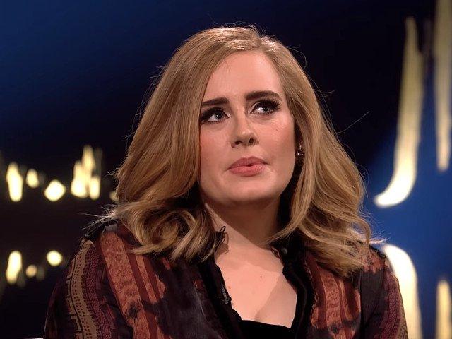 Adele a intentat divort de sotul sau, Simon Konecki