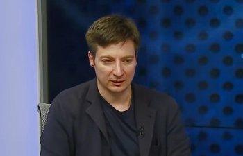 Andrei Caramitru: Noi mergem la gratare si in city break-uri, avem pe Vasilica la guvern si pe cineva care tace la Cotroceni. Suntem bine