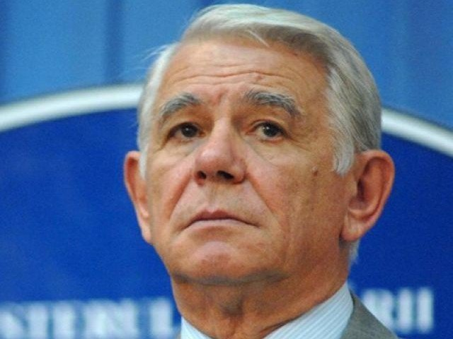 CCR va discuta sesizarea privind alegerea lui Teodor Melescanu ca sef al Senatului