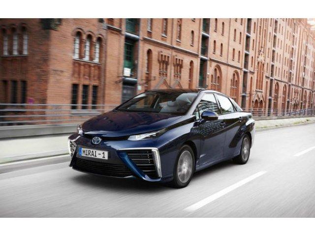 """Toyota va lansa noua generatie Mirai in 2020: """"Masinile electrice alimentate cu hidrogen au un potential urias"""""""