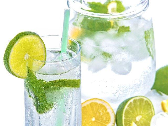 Slabeste sanatos! 6 bauturi delicioase care te vor ajuta sa arzi grasimile din organism