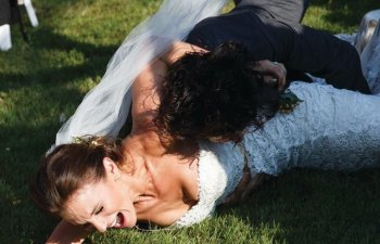 10+ fotografii care ne demonstreaza ca nuntile perfecte exista doar in filme