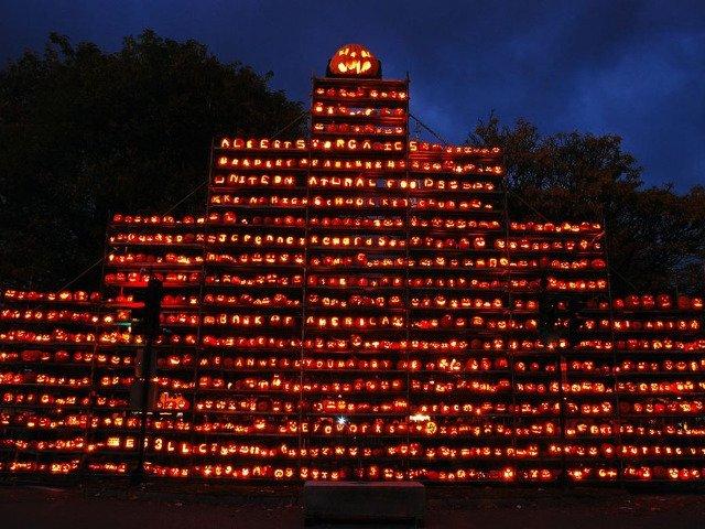 Primul festival de Halloween din Romania, in Parcul Herastrau. Se va construi cel mai mare zid de dovleci personalizati si iluminati din Europa