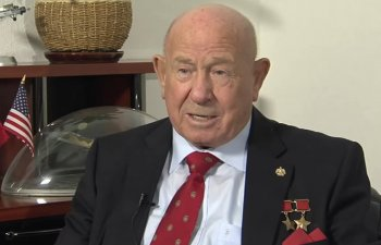 A murit cosmonautul sovietic Alexei Leonov, primul om care a efectuat o iesire in spatiu