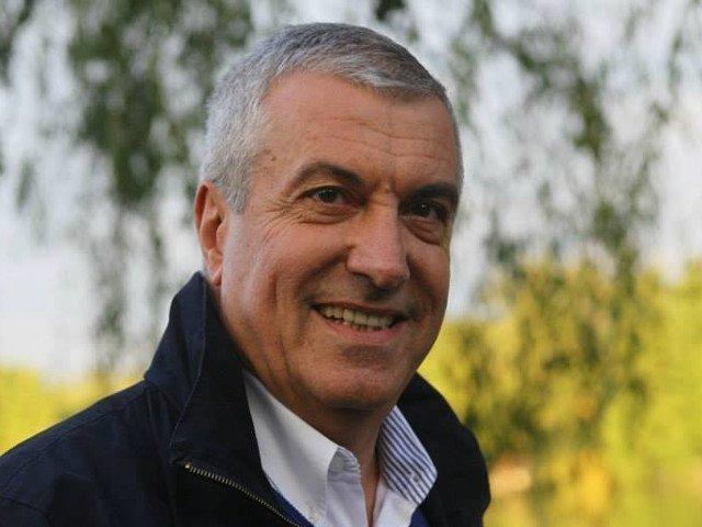 """Tariceanu nu exclude posibilitatea de a fi din nou premier: """"Pana ma retrag din politica nu spun ca nu ma intereseaza"""""""