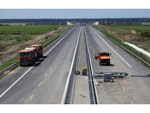 """Circulatia pe lotul 3 al autostrazii A1 Lugoj - Deva ar putea fi inaugurata in octombrie: """"Vom dechide lotul chiar daca are probleme"""""""