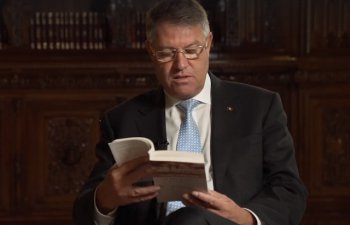 Iohannis indeamna la citit: Hai sa readucem Romania printre marile culturi ale Europei, cele care citesc
