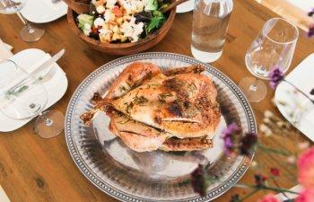 Prea putin consumate de romani: 5 alimente care au gust de pui