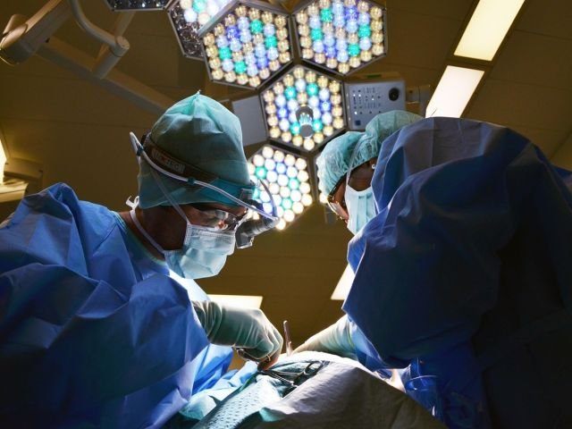 Trei romani si un strain au primit organe de la un bihorean de 43 de ani, aflat in moarte cerebrala