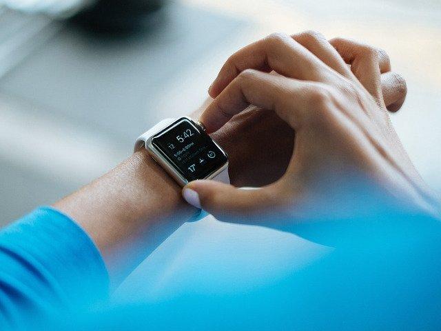 Ceasuri inteligente pe care sa le cumperi si care te ajuta sa faci mai mult sport