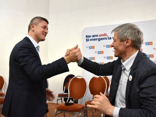 "Ponta: Problema cu acesti ""tigri de carton"" Barna si Ciolos e ca ""mananca"" foarte multi bani - romanesti si europeni!"