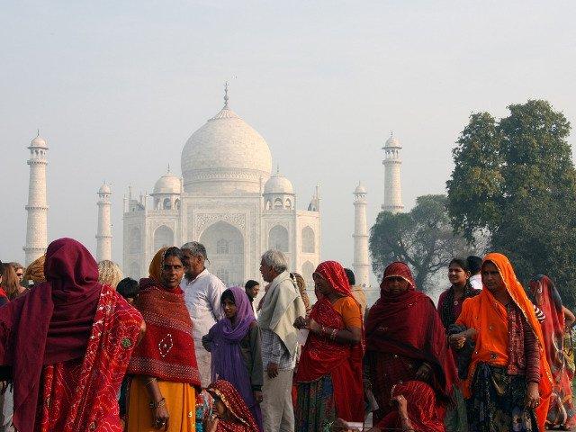 India: Doi tineri casatoriti au fost ucisi cu pietre pentru ca proveneau din caste diferite